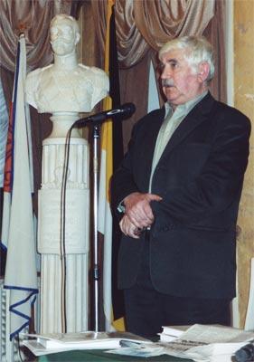 Владимир Фомичёв выступает в Фонде.
