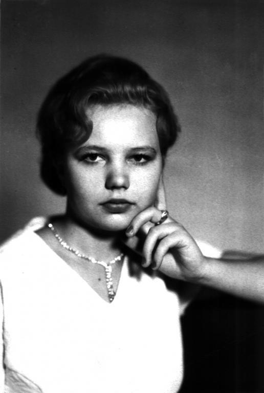 Оля Жилова-ровно 18 лет