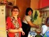 Технологи Галя и Карина сразу же оккупировали кухню Юрия Борисовича. 9 декабря 2012 года - 18:54.
